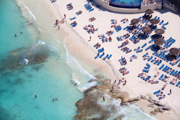 Caribbean Beach 600x399 Beach Life   Aerial Photography by Gray Malin