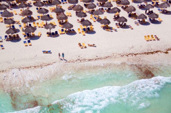 Caribbean resort 600x398 Beach Life   Aerial Photography by Gray Malin