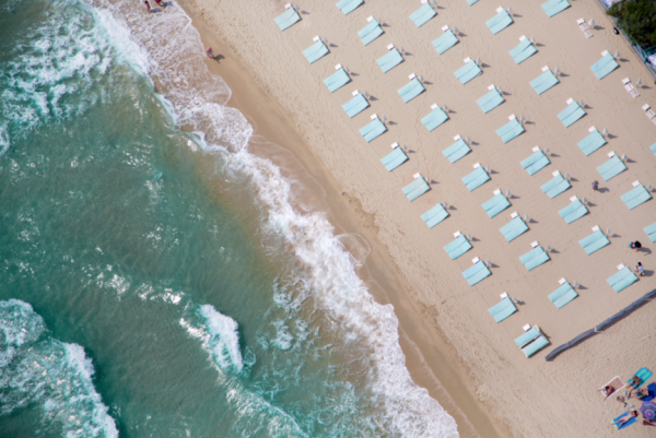 Empty Loungers St Tropez 600x401 Beach Life   Aerial Photography by Gray Malin