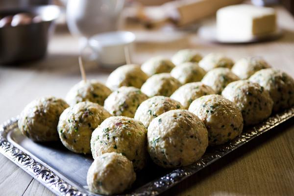 MG 0275 How to.... make South Tyrolian dumplings