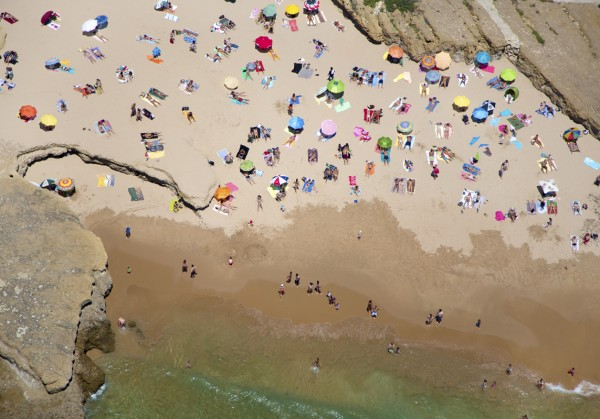 lisbon rocky beach 600x419 Beach Life   Aerial Photography by Gray Malin