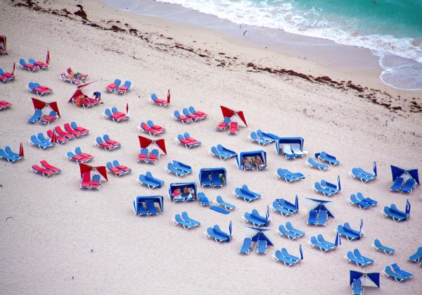 miami blue and red chairs 600x419 Beach Life   Aerial Photography by Gray Malin