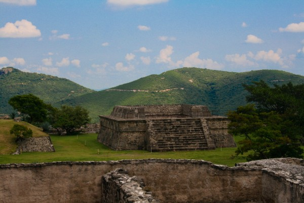 IMG 6100 600x400 The Ruins of Xochicalco, Mexico