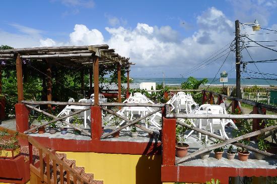 filename 219 jpg thumbnail0 Seaside perfection in Tela, Honduras