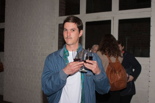 gallery opening drink 600x400 Top 12 Free Things to do in Melbourne