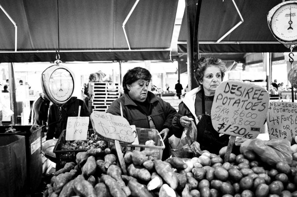 market ladies 600x398 Top 12 Free Things to do in Melbourne