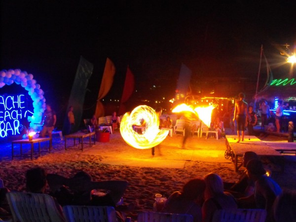 party phi phi 600x450 Top 5 things to do on the Andaman Coast, Thailand