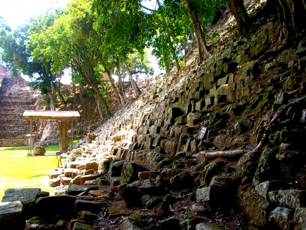The Travelettes Guide to Copán Ruinas, Honduras