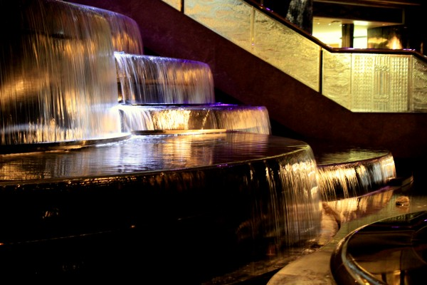 IMG 1465 600x400 A bit of razzle dazzle at The Crown Casino, Melbourne