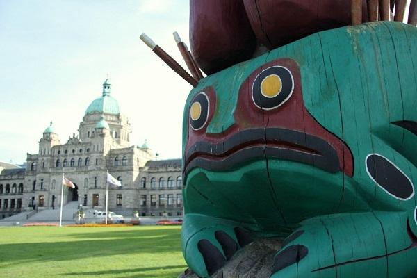 Totem Pole in Victoria Must Dos in British Columbia