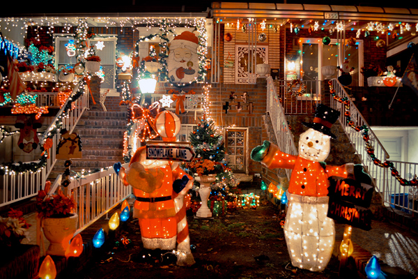 DSC 9165 2 The Christmas Lights of Dyker Heights