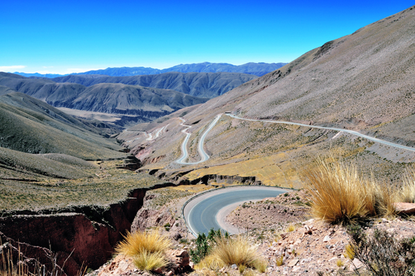 The spectacular Road 52 between Purmamarca and the Salinas Grandes A guide to getting high: surviving the altitude