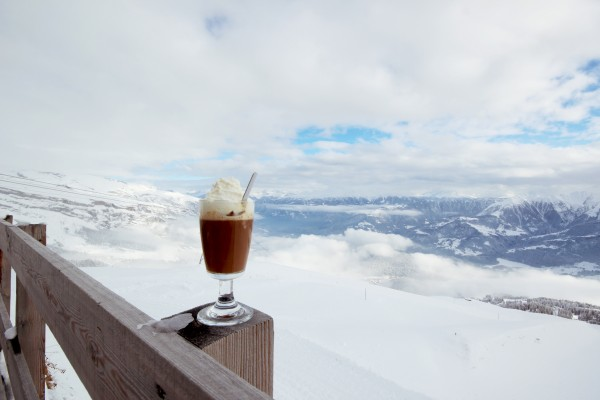 cafe no name in laax 600x400 10 Reasons why Snowboarding in Laax rocks