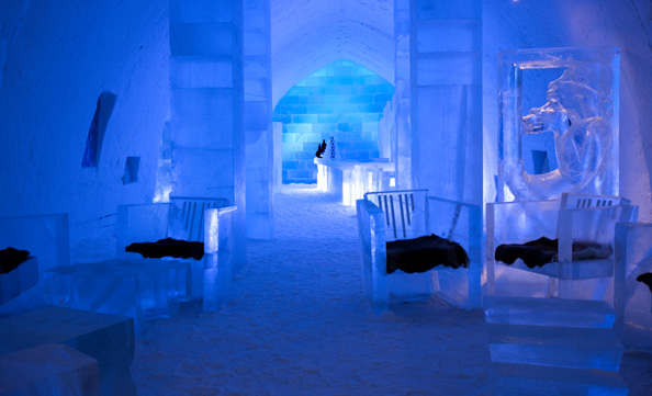 ICEHOTEL Jukkasjarvi Sweden09 Absolut Icebar Jukkasjärvi by Lena Kriström Mark Armstrong 8 weird and wonderful bars of the world