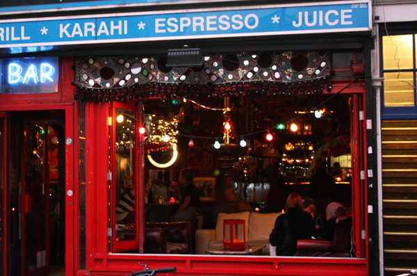 trav bricklane 30 facts that show that you are tourist in London