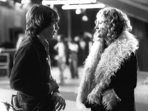 still of kate hudson and patrick fugit in almost famous How to dress for a road trip (according to the movies)