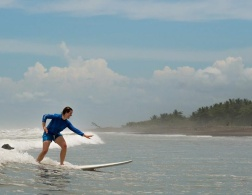 Surf'n'Sun: Costa Rica Surf Camp in Dominical