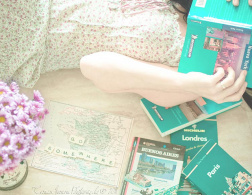 The Travelettes Guide to Travel Guides