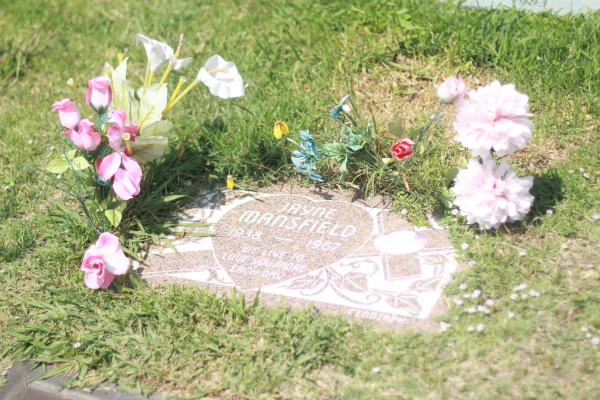 Jayne Mansfield ii_Hollywood Forever Cemetary