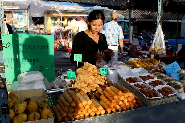 thongsala2 Foodie heaven   the Thong Sala night market