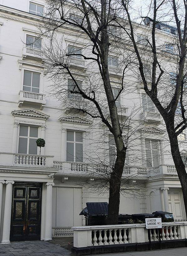 03 Duncan Harris Faux Facades: Buildings that dont exist