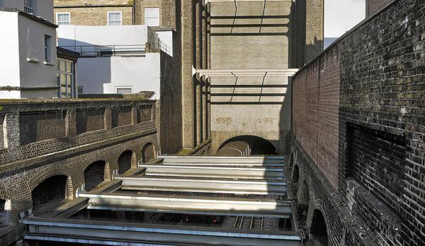 04 Duncan Harris Faux Facades: Buildings that dont exist
