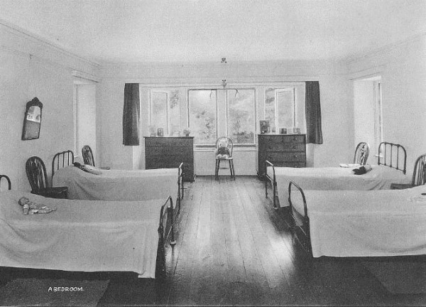 dormitory westwing at langford ct 1950 s i remember that creepy clock on the fr 600x432 The Horror Hostel Tales