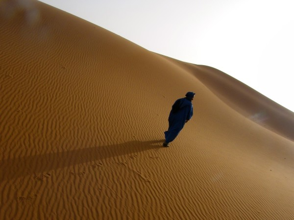 man in blue 600x449 10 reasons why Morocco is the One for me
