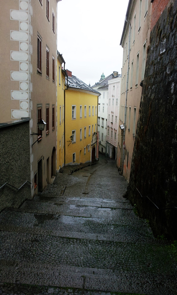 Medieval Alleyway in Linz 600x995 The Travelettes Guide to Linz