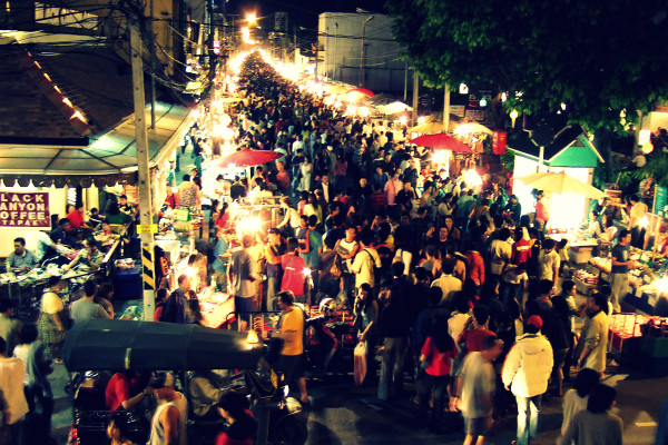 chiang mai night market 600x400 Chiang Mai: Thailands Rose of the North