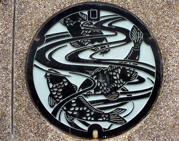 manholes10 Drainspotting   Japans different kind of street art