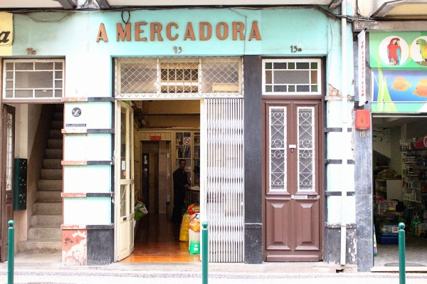 Vintage Shopfront Madeira 600x399 The Travelettes Guide to Madeira