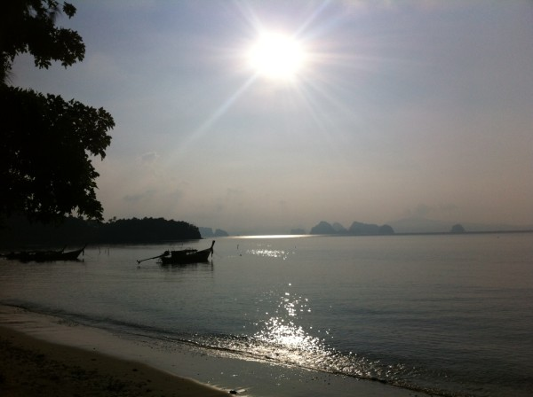 beachsunrise 600x448 Koh Yao Noi, Thailand   island life at its best