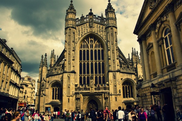 bath abbey 600x399 Bath: fashion & history in South West England