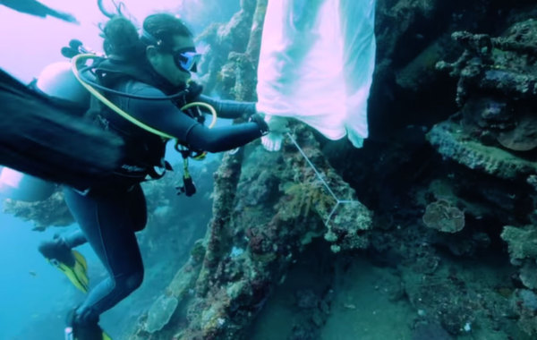 mermaids8 Diving with mermaids in Bali