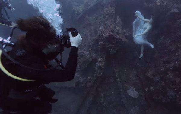 mermaids9 Diving with mermaids in Bali