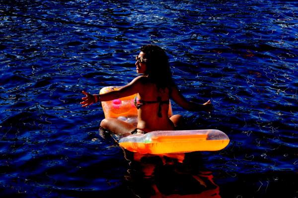 104 Sophie Saint raft party travelettes sailling.hr Croatia