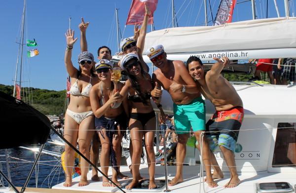 Alex Saint Travelettes SailingHR Party people