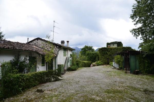 italy_lake_idro_cottage