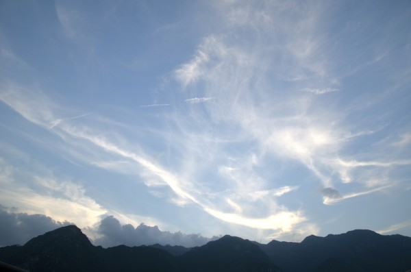 skies_lake_idro