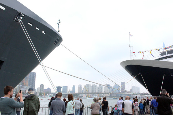 Crowds admiring two biggest boats at World Port Days in Rotterdam 2014
