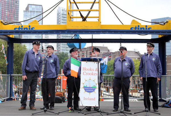 Shanty Sing-A-Long with Hooks & Crooks at Wereldhavendagen in Rotterdam