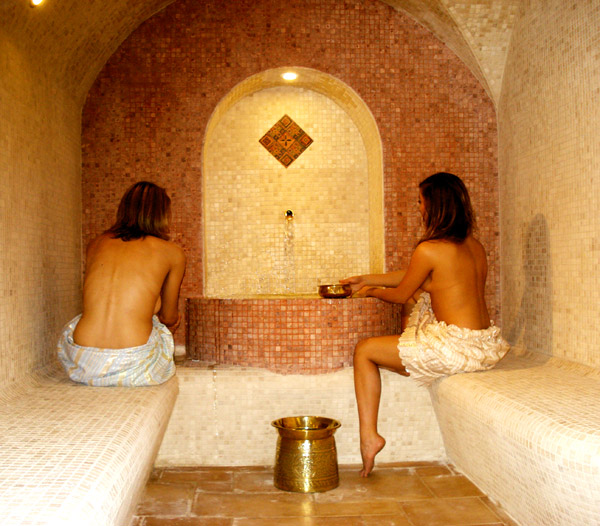 How to Survive an Authentic Hammam | Travelettes.net