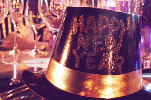 happy new year hat royal gala dinner x960 600x399 Ten Travel Resolutions for Every Travelette in 2015