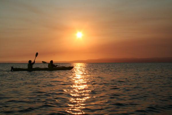 10 Awesome Kayaking Spots in Australia - Freycinet National Park, Tasmania