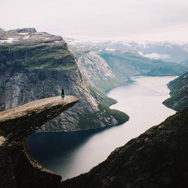 travelettes_anton_charushin_upside_down_travel_photography01