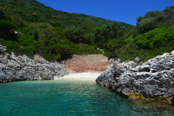 10 Amazing Greek Islands Experiences - Secluded Beach Kefalonia