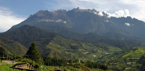 MtKinabalu_view_from_kundasan