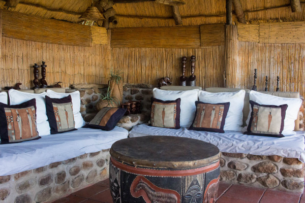 Hotels we love - Taita Falcon Lodge, Victoria Falls, Zambia, by Kathi Kamleitner | travelettes.net