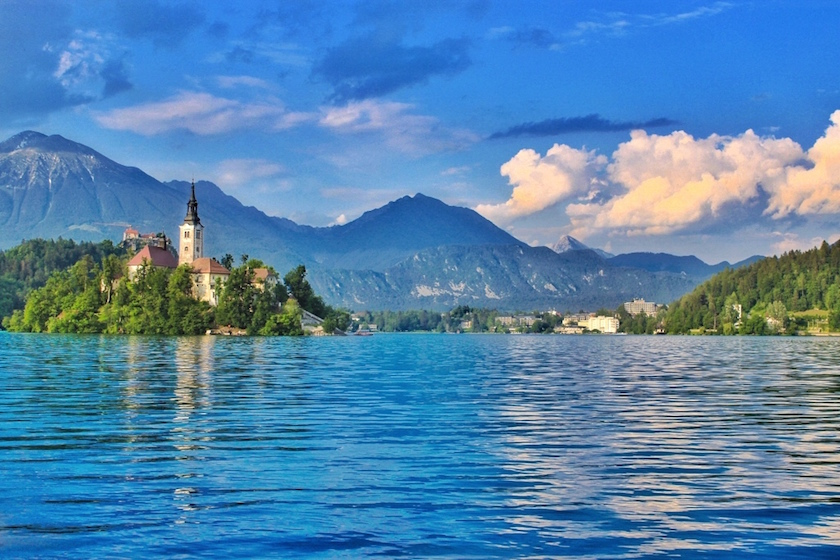 Why I am Not Afraid to Travel Alone (Anymore...) - Miriam Risager, Travelettes - Lake Bled, Slovenia